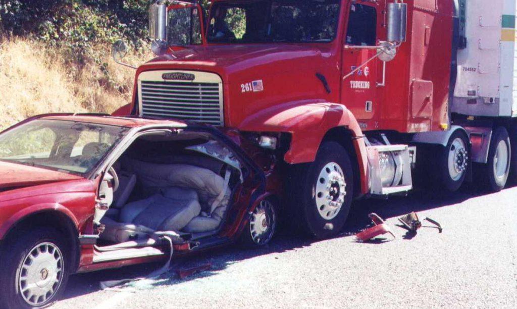 Filing Truck Accident Report in Houston | Houston Truck Accident Attorney Jerome Fjeld
